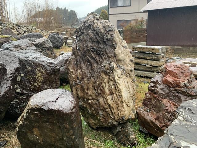 揖斐川の立石