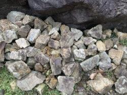 池田の山石の小石