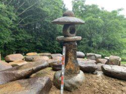 本鞍馬石の山灯籠